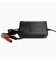 Carregador de Bateria 12v 3A - compatível com baterias de 12 a 30 Ah - UC012-3,0